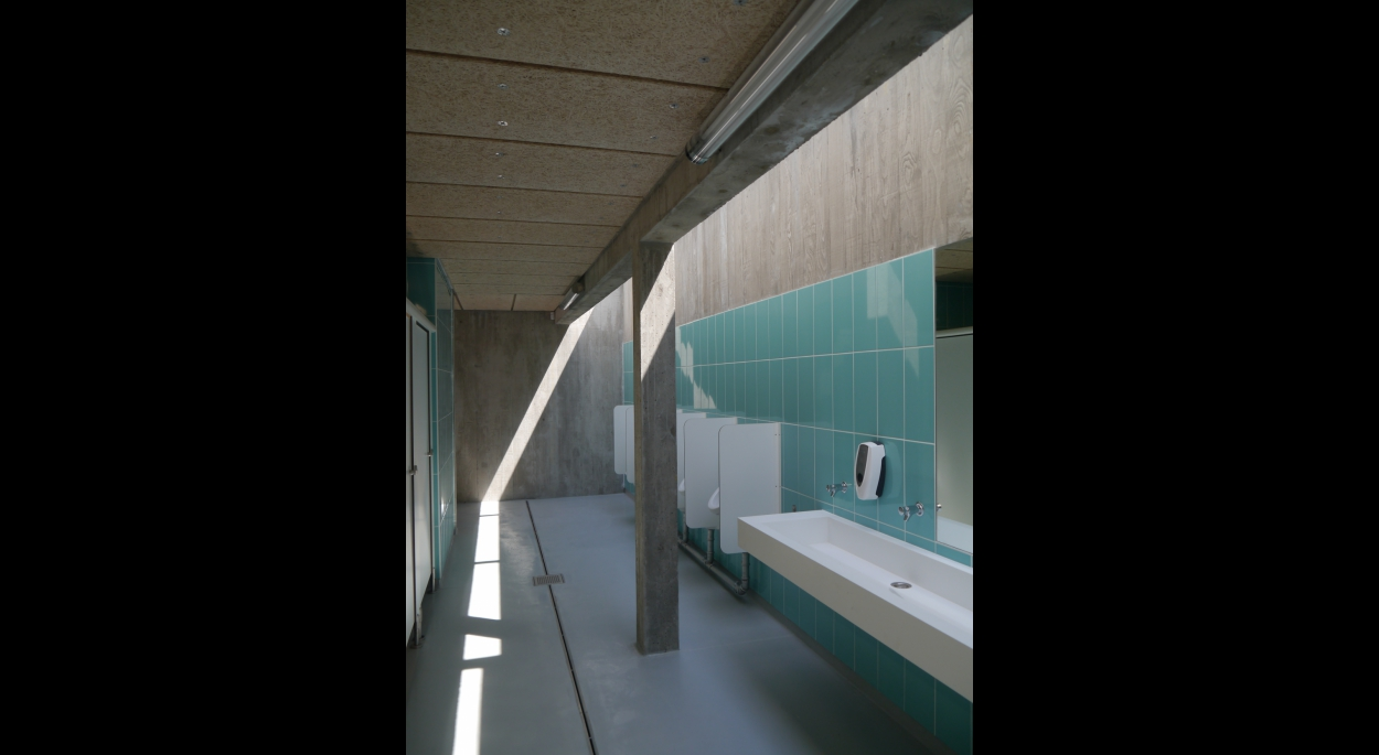 Les sanitaires - zone lavabos