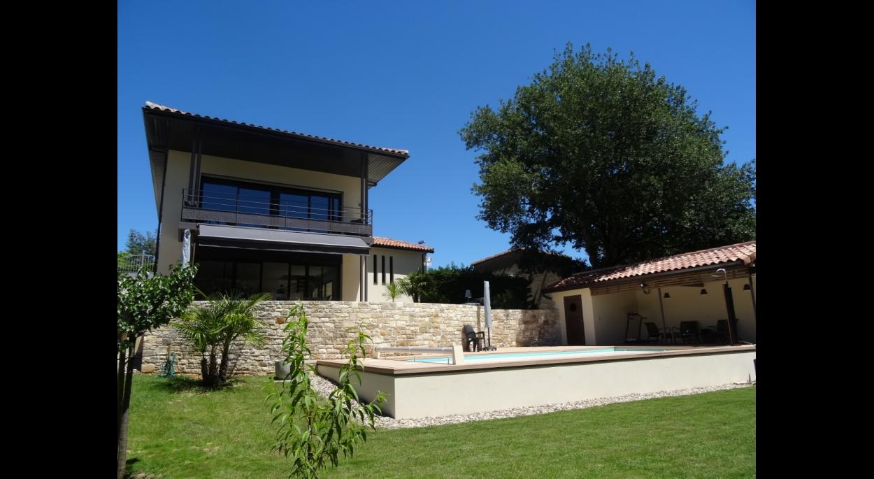 Façade Sud, piscine et pool house