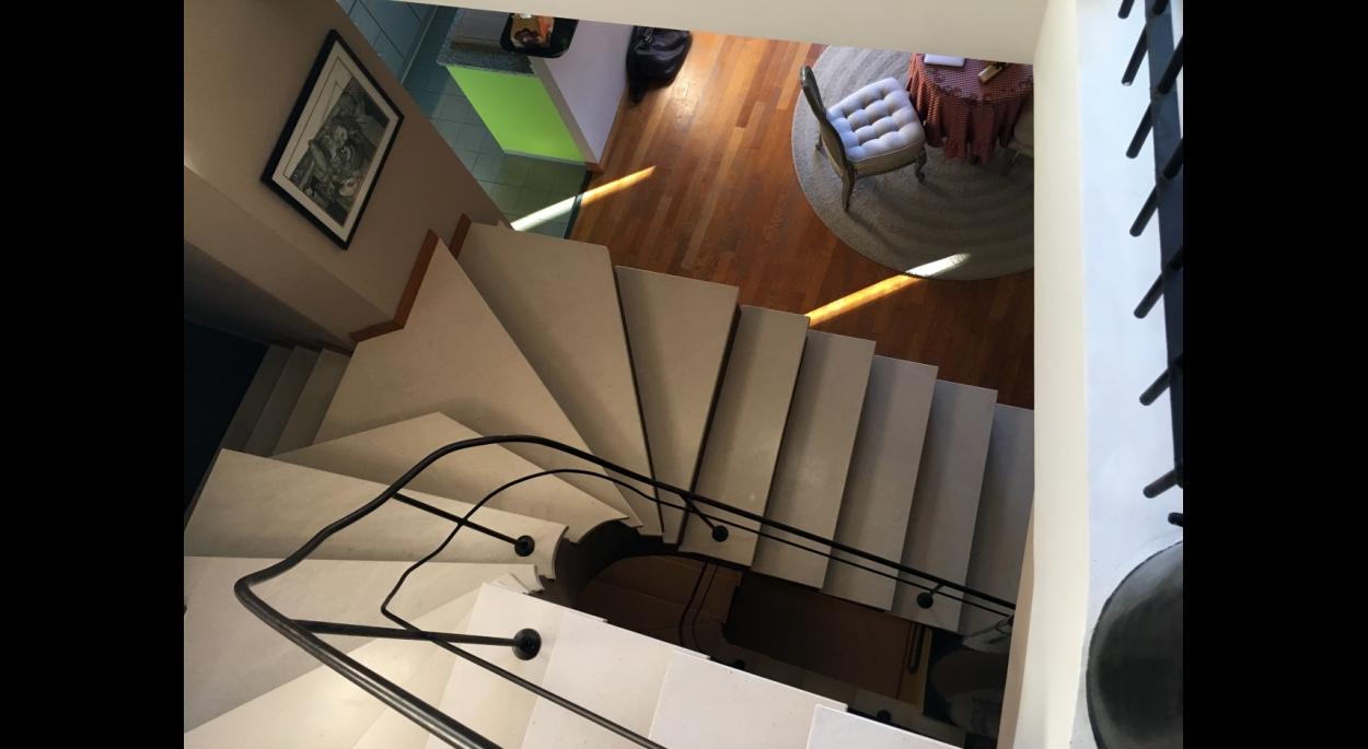 Escalier sur mesure, centre du projet