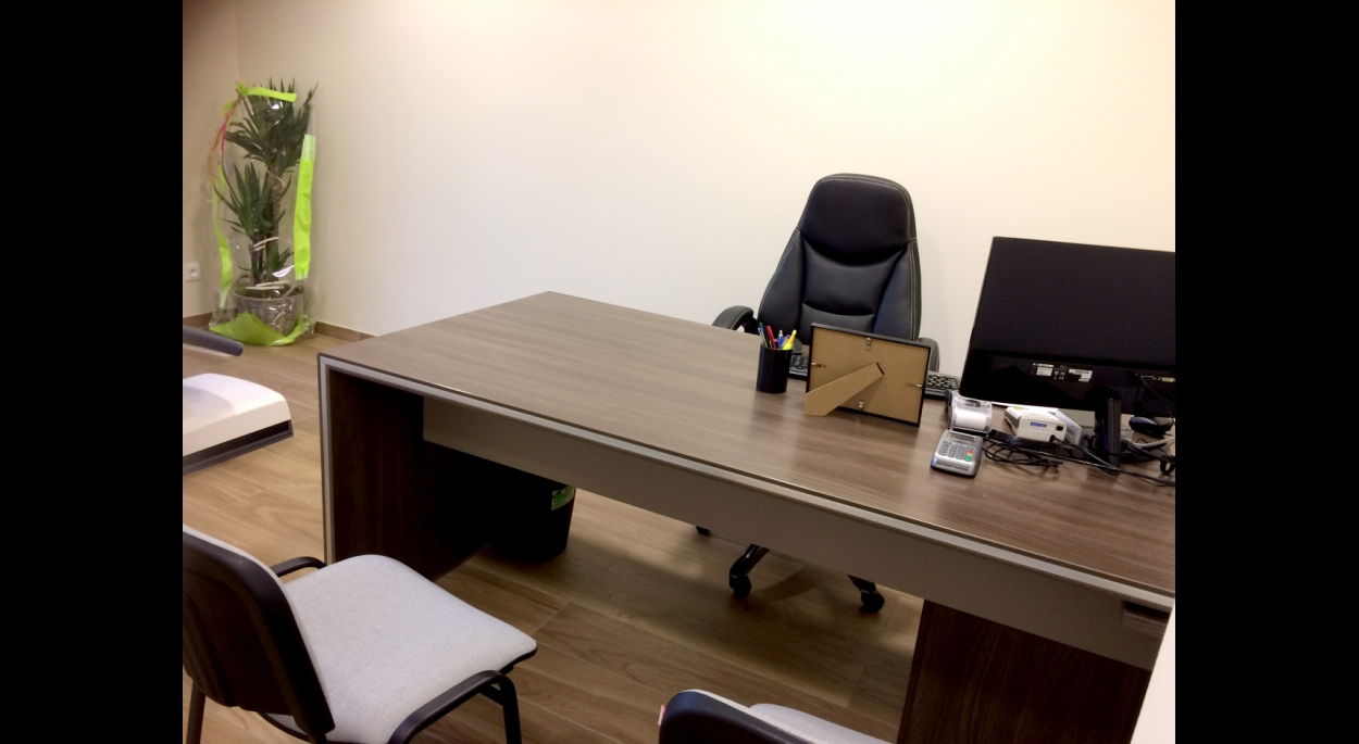 Construction de cabinet dentaire et bureau