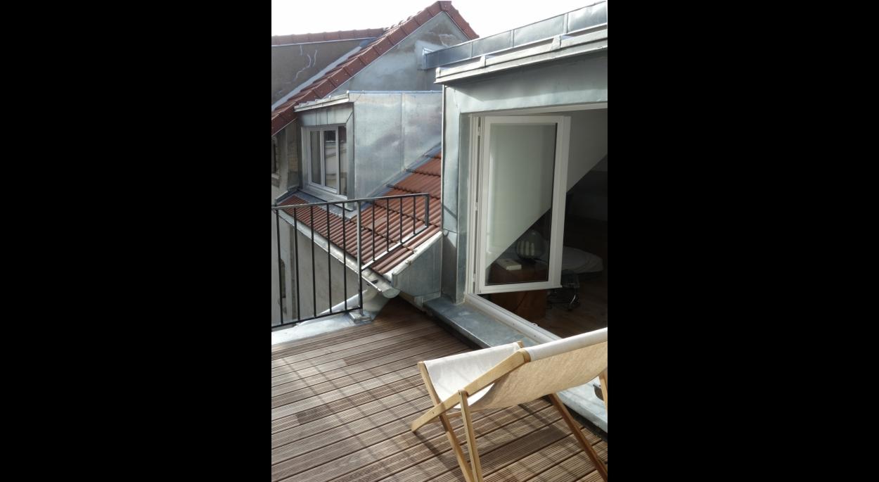 Terrasse sur cour.