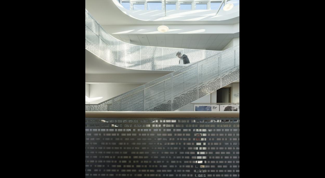 Garde-corps de l'escalier principal