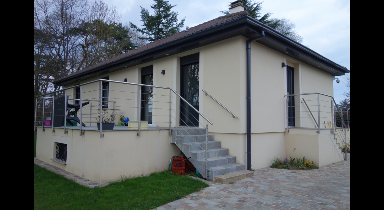 Terrasse accessible depuis la cuisine