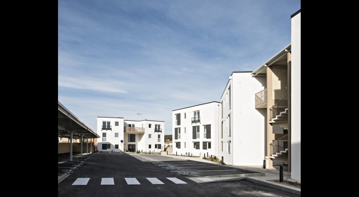 28 logements Les Angles - Grand Delta Habitat - Vue de la rue intérieure du projet