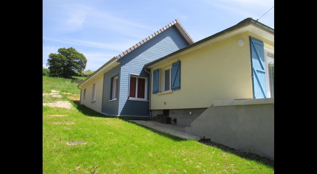 Projet Soyer à Longueville-sur-Scie (76). Finitions mixtes « Bardage bois / Enduit monocouche »