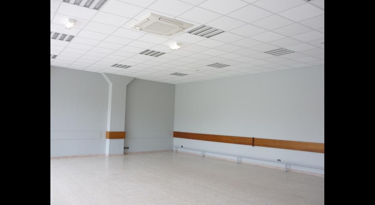 la rénovation rend la salle plus lumineuse