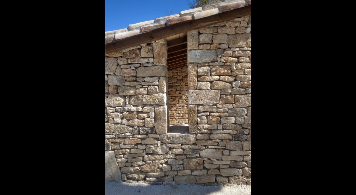 architecte 46 belmont-sainte-foi  abribus pierre et bois travaux  faille ouverture