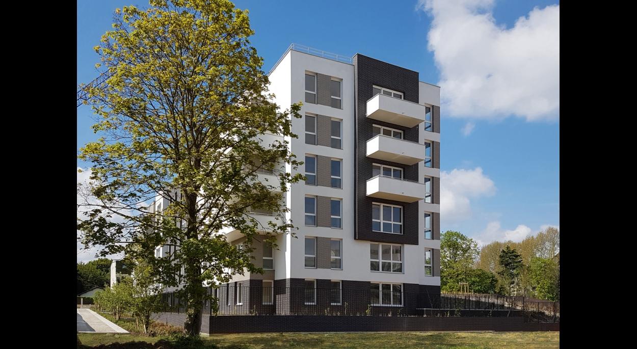 70 LOGEMENTS SOCIAUX NF HABITAT HQE/RT2012-10% - NOISY-LE-GRAND: façade sur parc