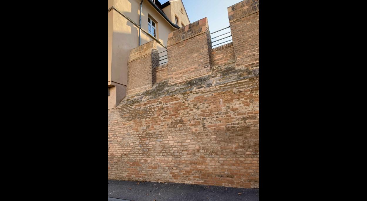 Le mur d'enceinte