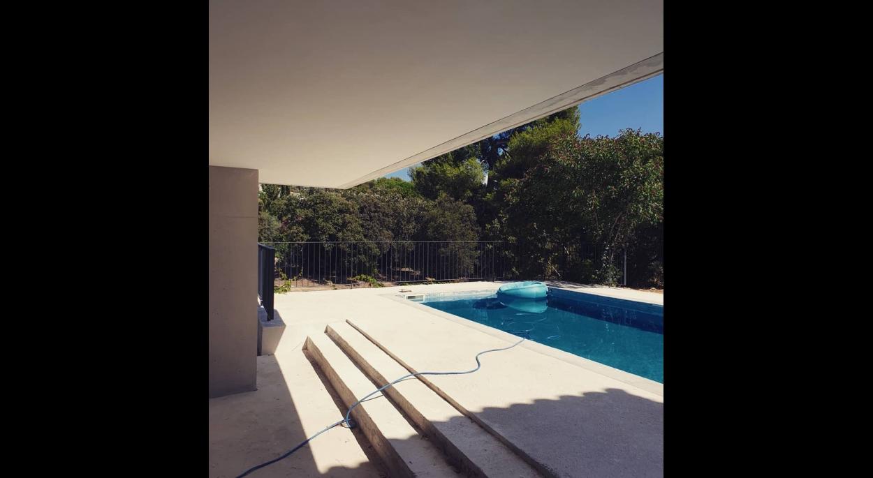 piscine sous-face beton maison extension architecture Guillaume Pepin Architecte