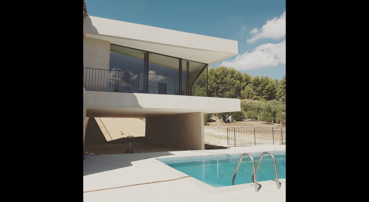 piscine beton vitrage maison extension aubagne architecture Guillaume Pepin Architecte