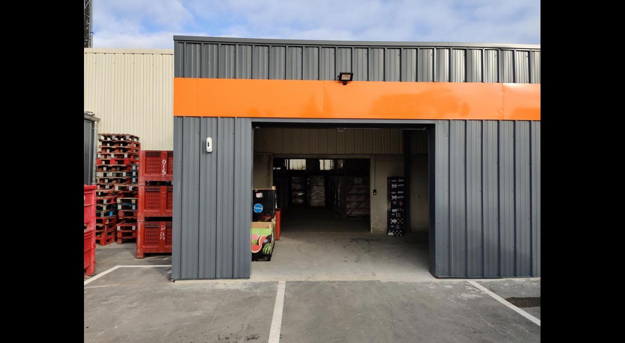 Extension - Porte d'accès à l'entrepôt
