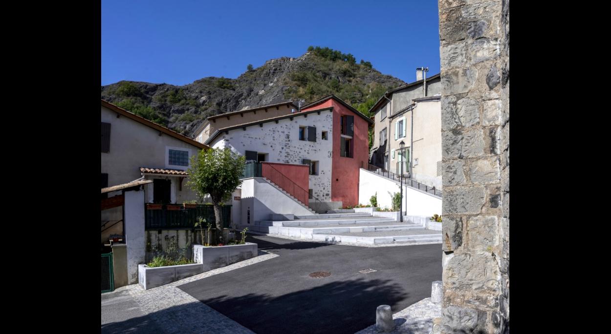Rénovation de 2 maisons mitoyennes et aménagement de la place de l'église