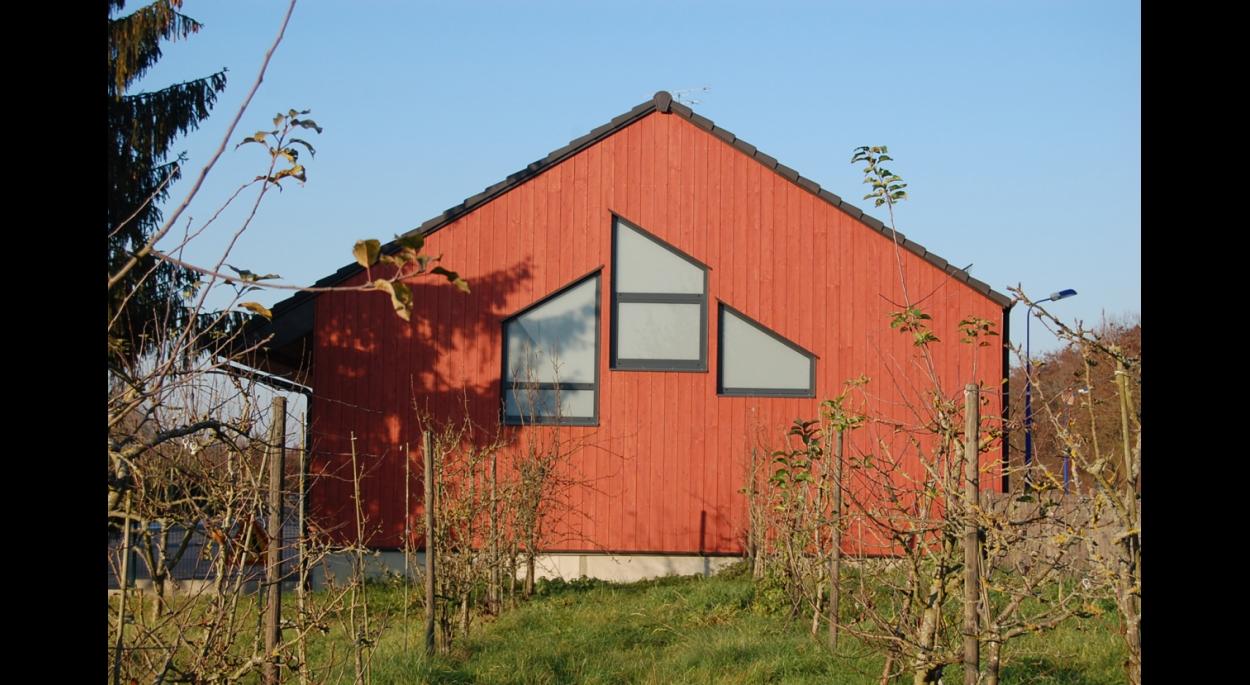 Construction d'un nouveau hall pour les ateliers municipaux. OERMINGEN. 2011