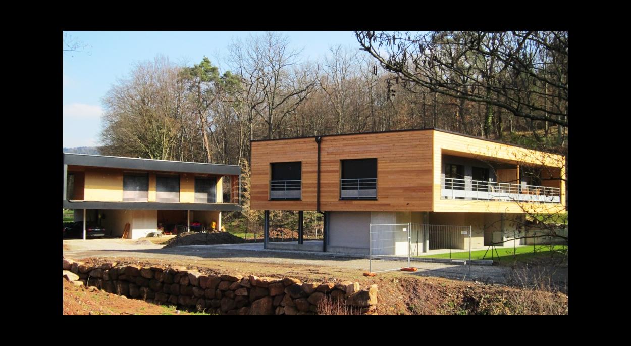 3 maison de 150 à 200 m2 hab1table