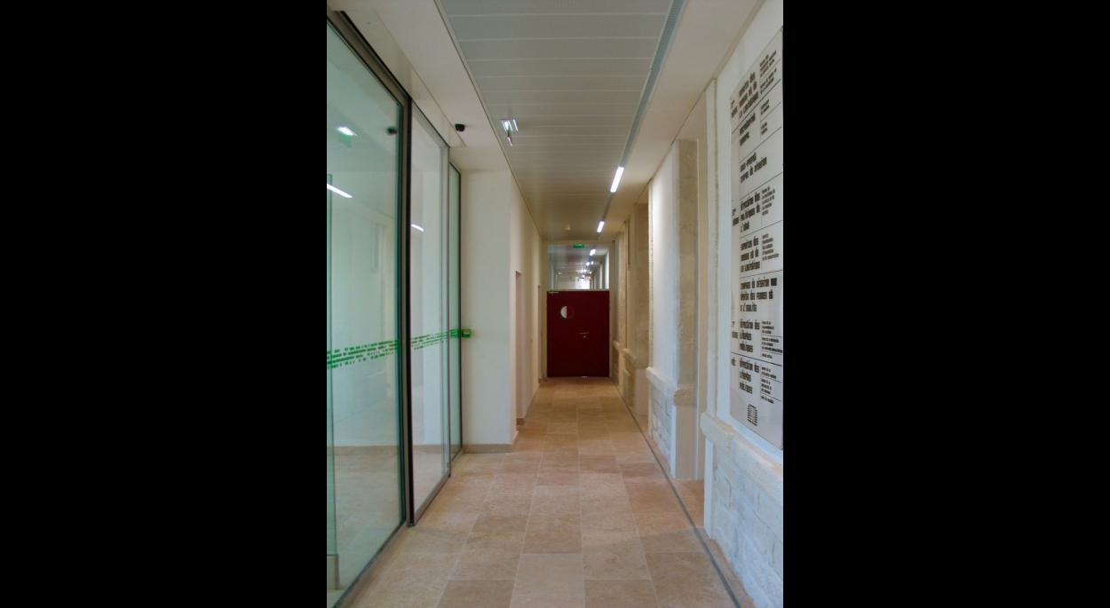 prefecture de vaucluse avignon rehabilitation de l'ancienne caserne chabran architecte