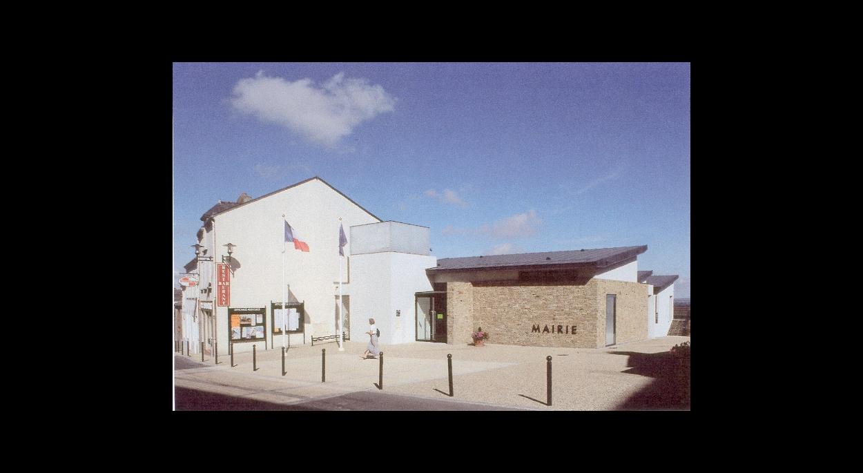 Mairie de Bouzillé (49530) Architecte DPLG Philippe LEBOURG prix CAUE 49 en 2001