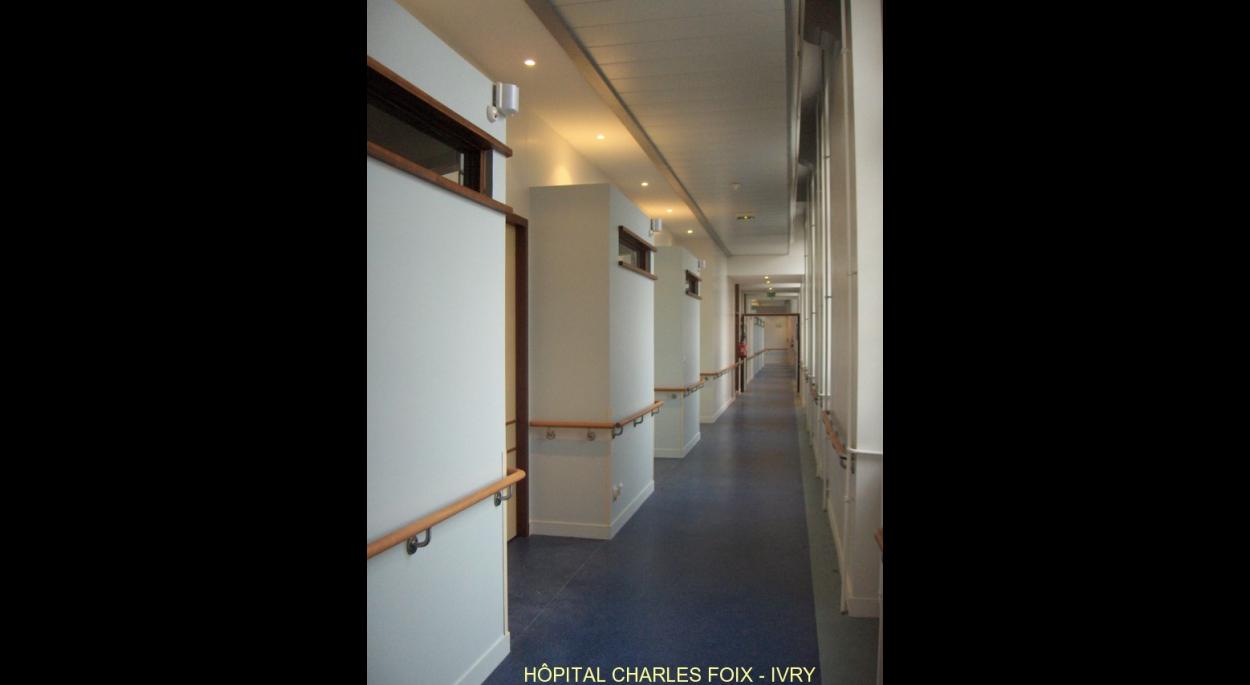 Couloir de distribution des chambres