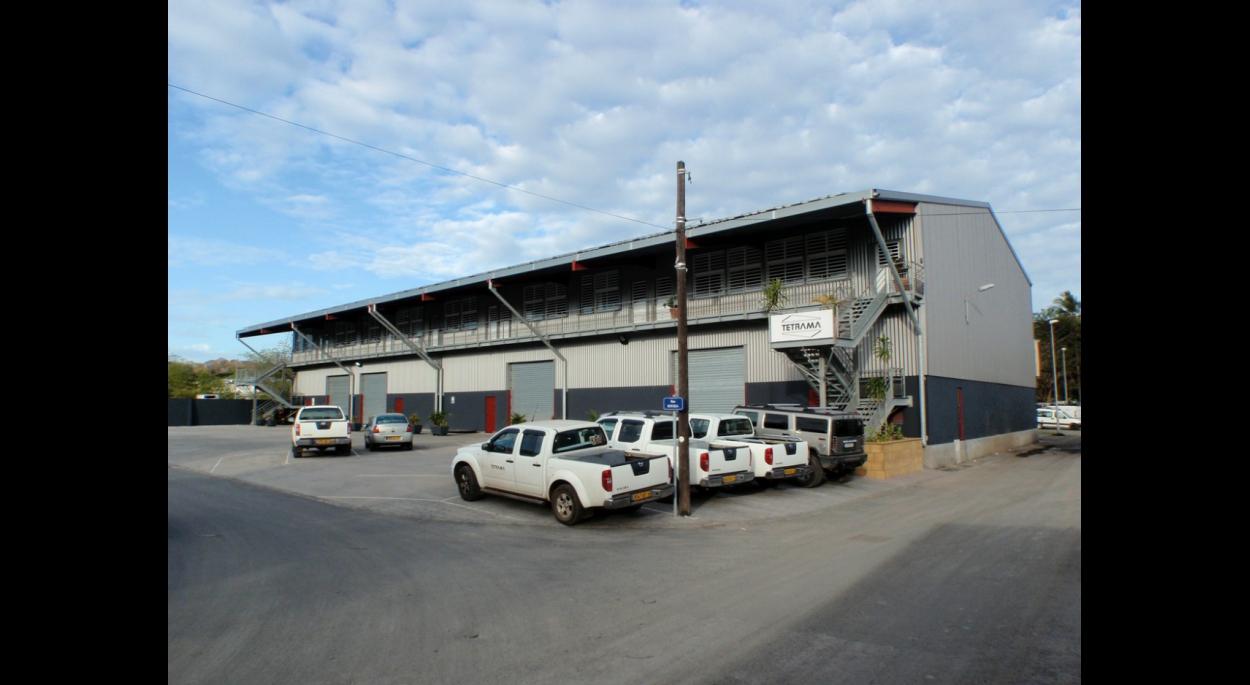 hangar de stockage et bureaux