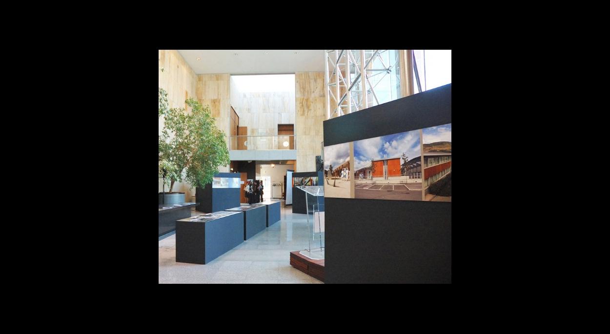 Scénographie pour une exposition sur la mise en valeur de l'architecture en Midi Pyrénées à travers 4 exemples de Lycées.
