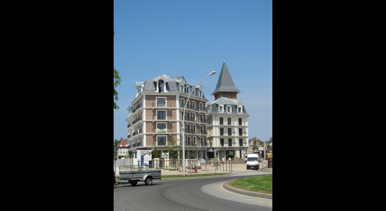 LOT C - vue depuis la gare de Deauville