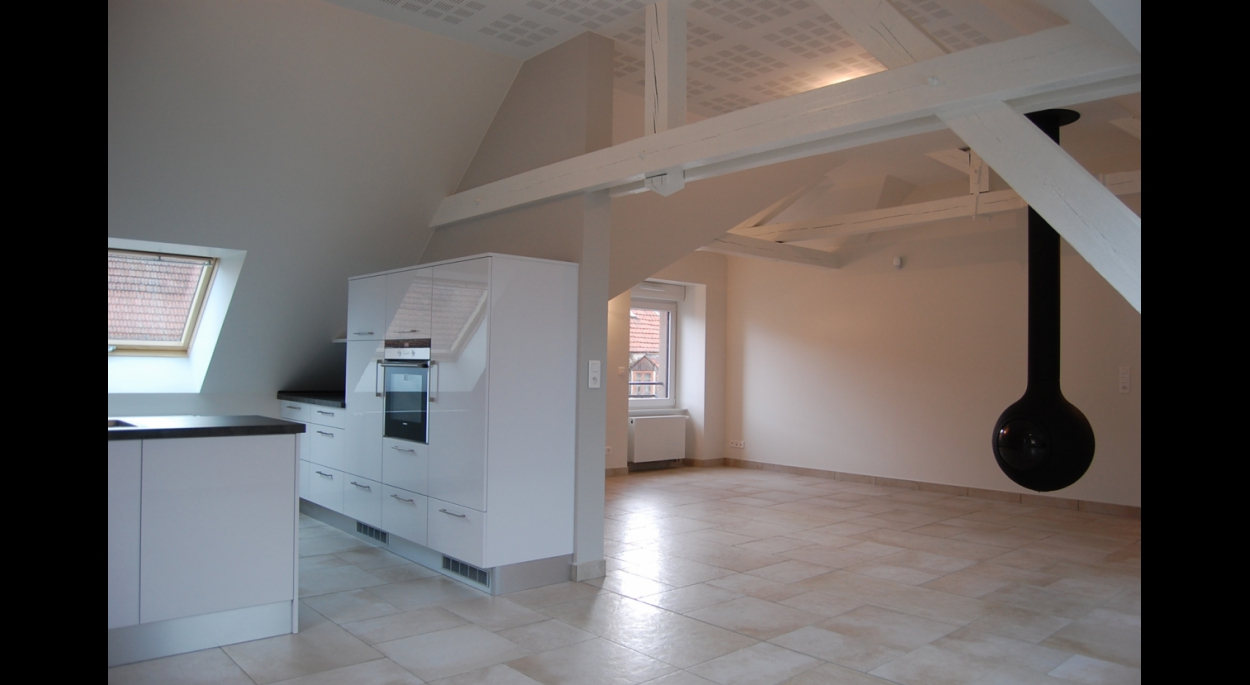 Création d'un appartement dans les combles d'un immeuble. SARRE-UNION. 2012-2013