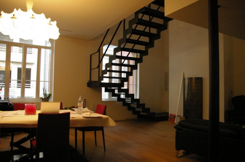 architecte lille plux réaménagement grand appartement caractère combles escalier Saint Quentin http://www.atelier-plux.fr/