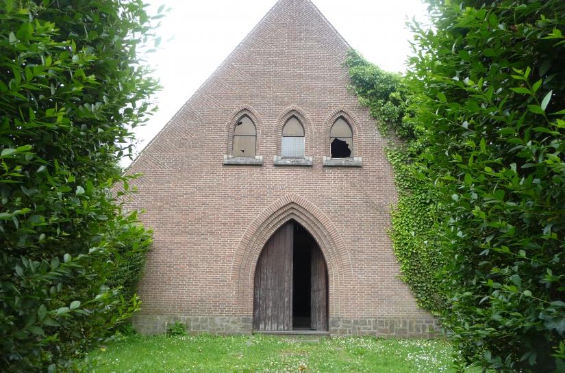 architecte lille plux réhabilitation chapelle loft Croix Roubaix Lille rouge existant http://www.atelier-plux.fr/