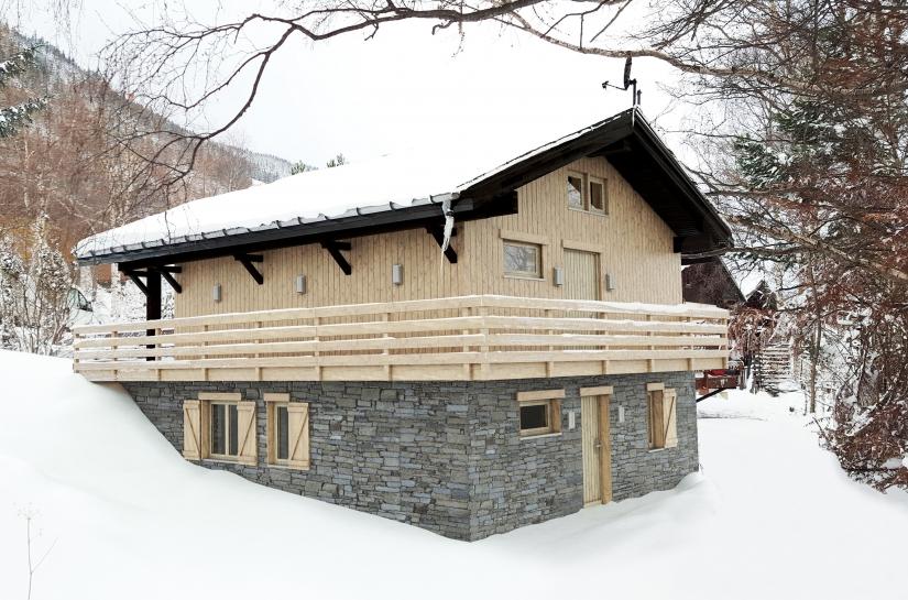 Rénovation énergétique et thermique + réalisation d'une extension en sous-sol d'un chalet