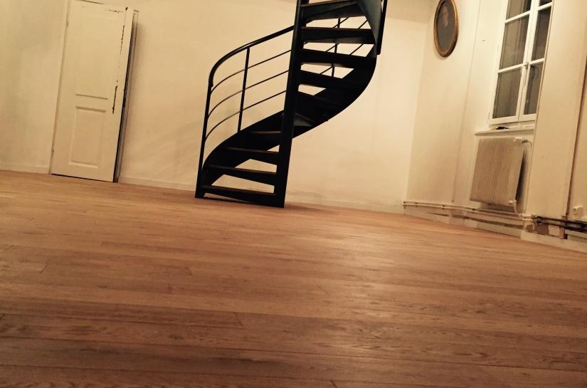 Escalier reliant le séjour aux combles aménagés