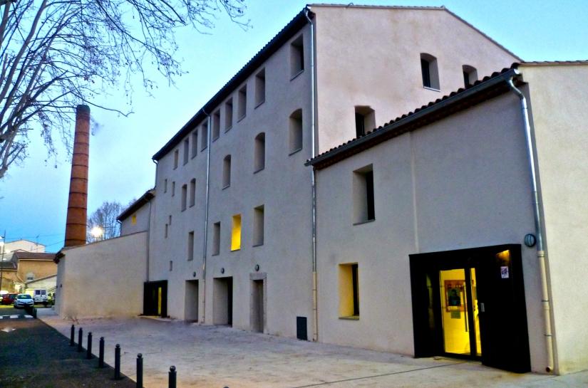 Médiathèque d'Auriol, façade principale.