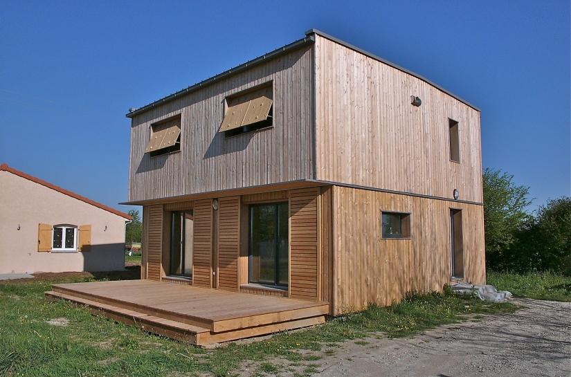Maison contemporaine bioclimatique et écologique de niveau passif 1