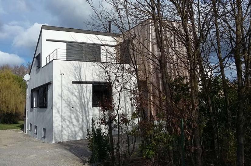 Rénovation RT 2012 et surélévation en ossature bois d'une maison datant des années quatre-vingt.
