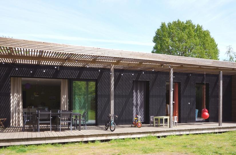 Une terrasse ajustée en fonction des usages. Projet Diagonal / whyarchitecture