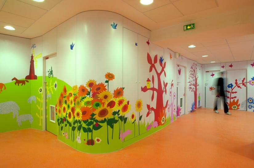 Le mur d'images dans l'entrée
