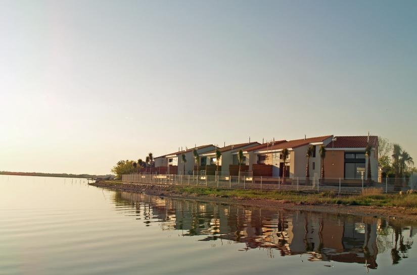 Pérols - Port Lagune - Façades coté étang de l'Or - vue d'ensemble