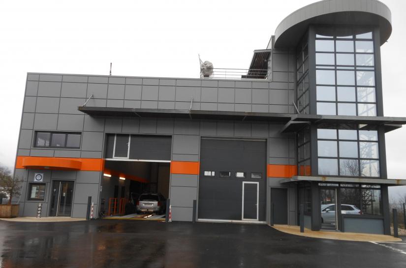 bâtiment industriel et bureaux à st vincent de mercuze 38660