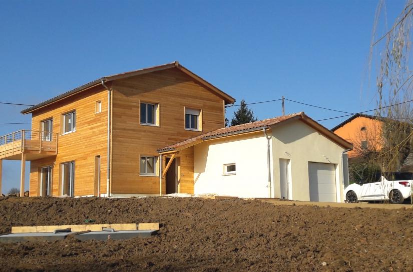 Maison ossature bois et garage briques
