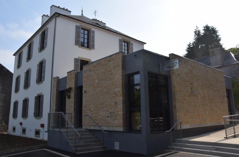 Restructuration rénovation thermique extension immeuble bureaux et logements. Architecte : Olivier SAMZUN architecte à QUIMPER.