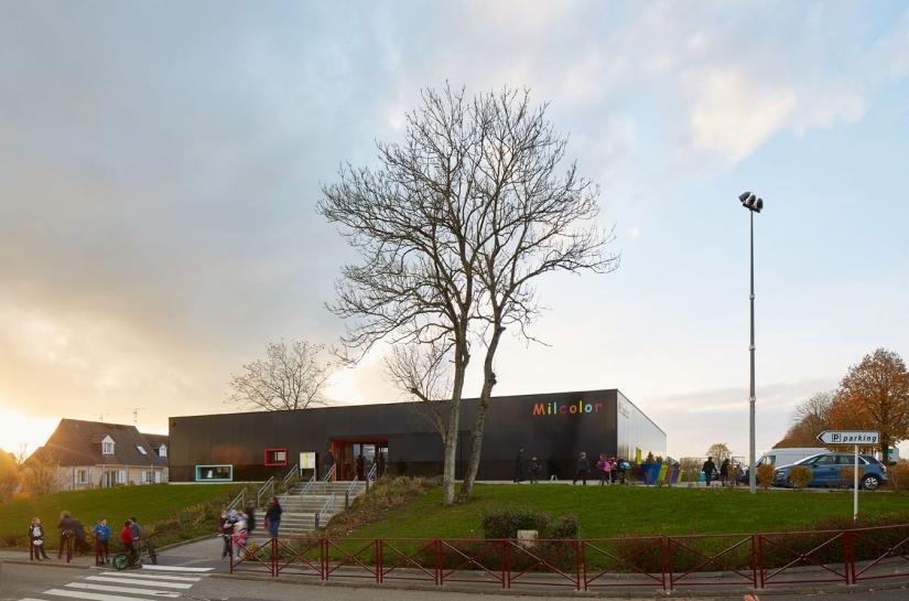 Une salle d'activités et un centre de loisirs THPE à Eslettes (76)