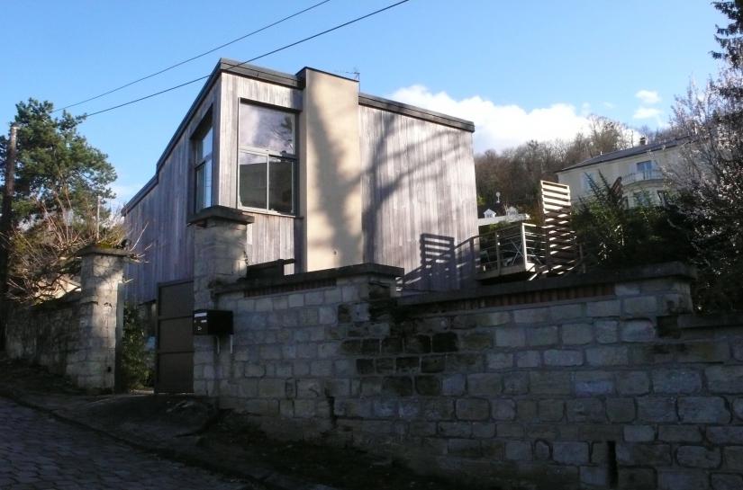 maison R+1 / bardage bois / chassis aluminium