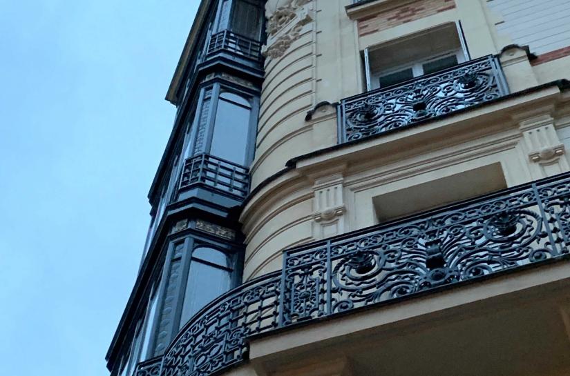 Façade pierre, bow-windows