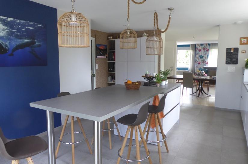 nouvelle cuisine, spacieuse et confortable