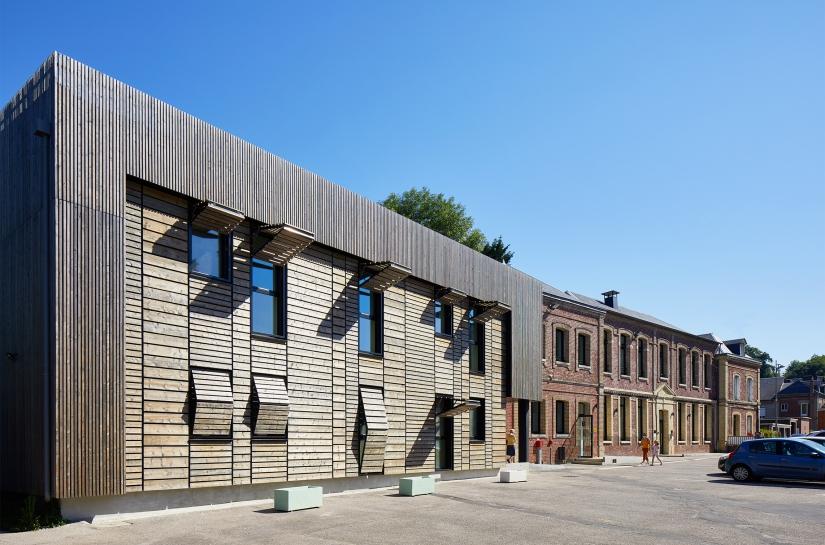 Réhabilitation et extension d'une école en cabinets médicaux et paramédicaux - Le Houlme (76)