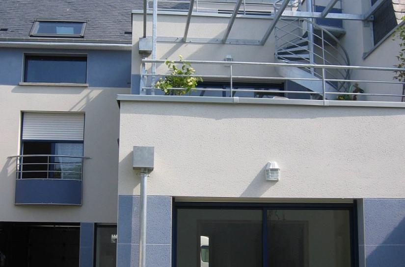 Terrasses sur jardins et pergola