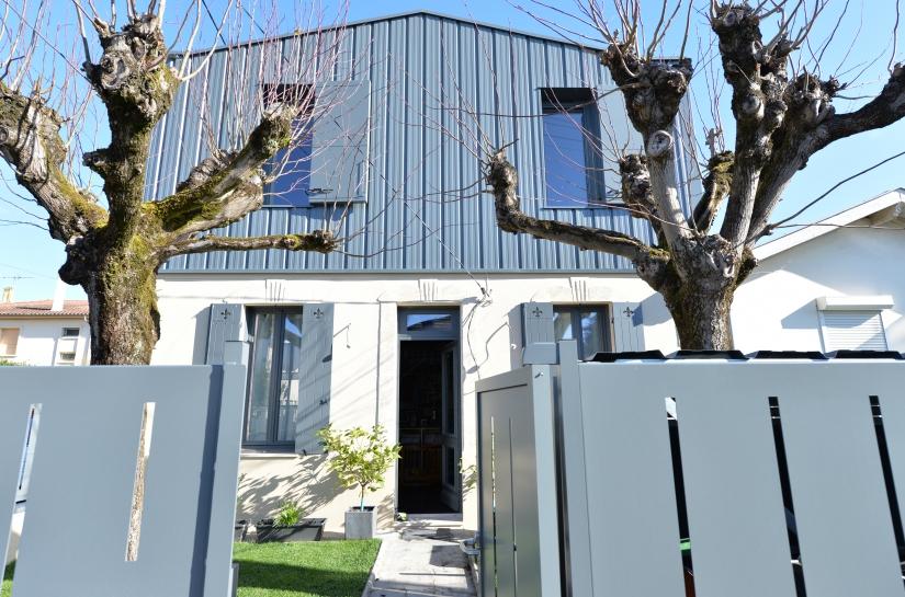 JRA Justine Reverchon Architecte - maison des charmilles - façade principale (surélévation et réhabilitation maison)