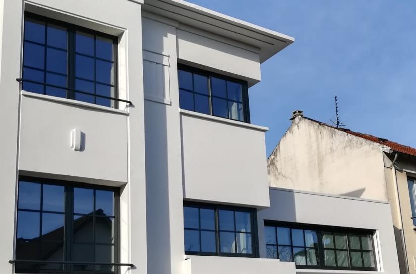 Extension d'une maison moderniste