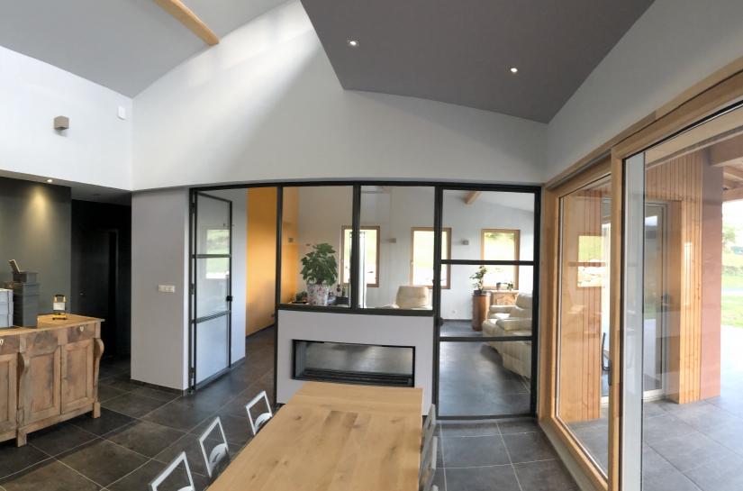 vue intérieure et terrasse couverte