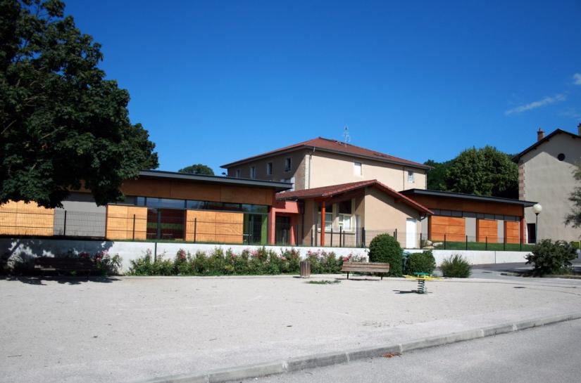 Façade Principale - Groupe Scolaire Saint Lattier  - Adhoc Architecture - Jean Michel Costaz