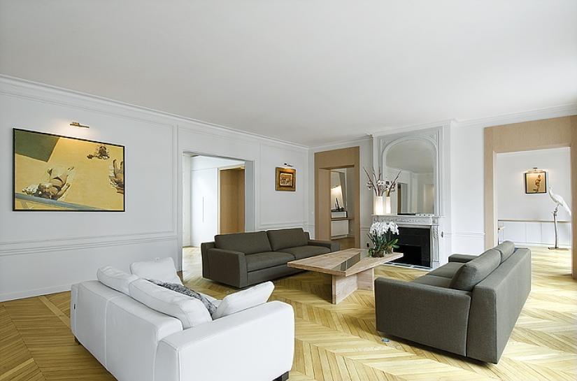 Séjour, salon, canapé, ouverture dans mur, parquet, table basse, fenètre, ouverture , lumière naturelle, cheminée, rangements